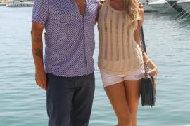Domingo Zapata con su novia