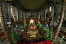 Nuevas iglesias se unen a la tradición de exponer el 'llit' de la Mare de Déu