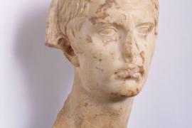 Sale a la venta el busto del emperador Augusto hallado en Pol·lèntia