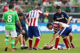 Mario Suárez queda ingresado en observación y no regresa con el equipo
