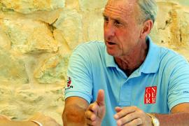 Cruyff: «Aouate debe dejar trabajar a Nadal»