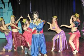 El musical 'Show must go on!' revisa los cuentos clásicos en el Auditòrium