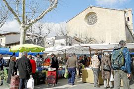 La fruta y verdura mantendrán su lugar privilegiado en el mercado dominical de Pollença