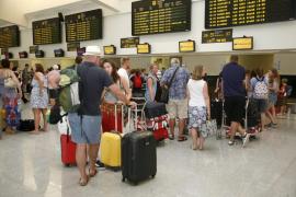 Los aeropuertos baleares acogerán a más de 690.000 pasajeros hasta el domingo