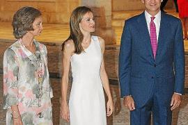 Cóctel de gala de los Reyes en el Palau de l'Almudaina