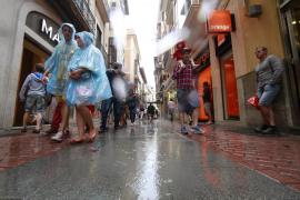 La lluvia, protagonista del puente de la Asunción