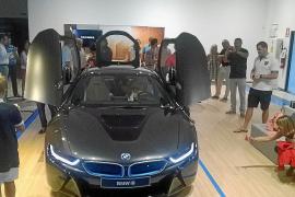 Proa Premium presentó el revolucionario BMW i8