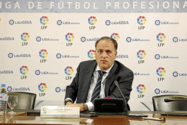 La LFP mantiene al Mirandés en Segunda  y descarta al Murcia