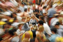 Las familias alertan de fiestas como el Birracruzis, que asocian ocio y alcohol