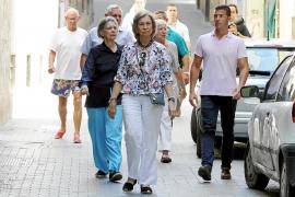 La reina Sofía, de paseo por el centro de Palma