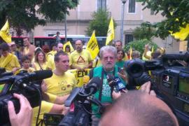 Jaume Sastre da inicio a la Marxa per l'Educació en Girona