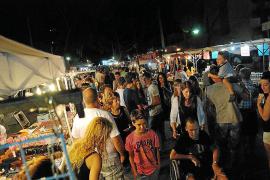 La artesanía y los productos de la tierra se citan en la feria nocturna de s'Illot