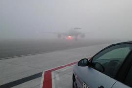 Son Sant Joan registra retrasos y desvíos en distintos vuelos a causa de la espesa niebla
