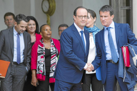 Hollande se apoya en un banquero para reformar