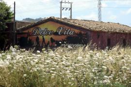 La policía vuelve a precintar un club de alterne de la carretera de Valldemossa
