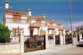 Dudas jurídicas sobre la legalidad del permiso vecinal para el alquiler turístico