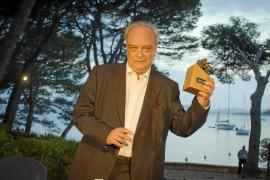 Enrique Vila-Matas: «A veces me pregunto si nos perdemos algo los que escribimos»