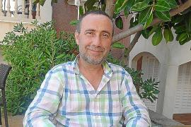 «Ser portavoz del PP y dirigir la asociación hotelera no es ético»