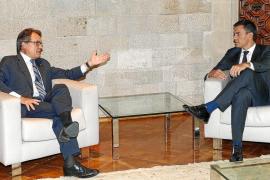 Sánchez advierte a Mas de que la consulta que plantea fracturaría la sociedad catalana
