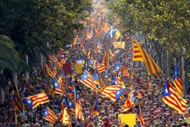 Casi dos millones de catalanes participan en la Diada para reivindicar el derecho a votar
