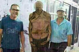 Apartan de su puesto al empleado de un cementerio en Alicante por posar con un cadáver