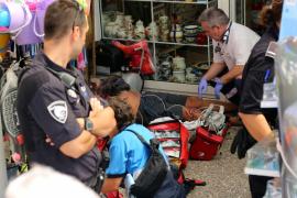Dos heridos tras precipitarse desde un segundo piso