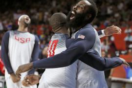 Estados Unidos arrolla a Serbia y se corona campeona