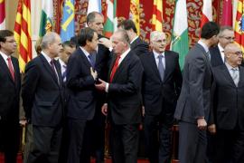 Zapatero acusa al PP de «lavarse las manos» sobre el paro por «interés partidista»