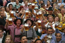 Múnich abre la Oktoberfest, la fiesta de la cerveza más internacional