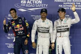 Hamilton y Rosberg en primera fila en Marina Bay, donde Alonso arrancará quinto