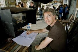 """David Trueba entra en la carrera de los Óscar con """"Vivir es fácil con los ojos cerrados"""""""