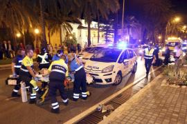 Hospitalizado un motorista en estado grave tras chocar contra un taxi
