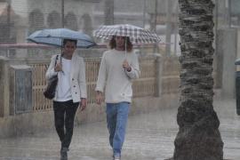 Alerta amarilla en todas las islas por lluvias y tormentas
