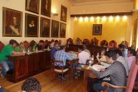 El PP lleva a los plenos el debate sobre la elección directa de alcaldes