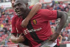 Kasim Adams muestra sus credenciales en su debut con el Mallorca