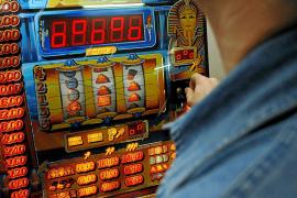 Detenido un joven en Palma que trucaba máquinas recreativas para ganar siempre