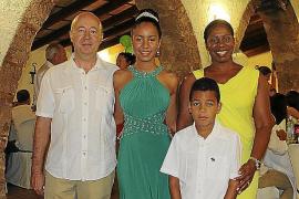 Maria Elena Perelló Baldrich celebra sus 15 años
