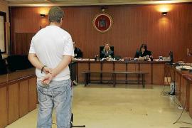 Condenado un joven que apuñaló a otro por celos en Manacor