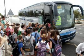 El transporte escolar del IES Son Pacs registra 'overbooking'