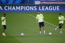 Piqué regresa a una selección en la que Del Bosque cita por primera vez a Rodrigo y Bernat