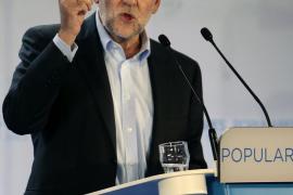 Rajoy advierte a Mas de que la salida al problema catalán es «ley y diálogo»