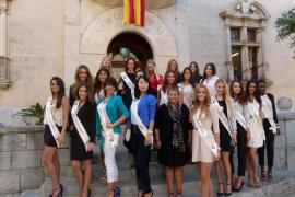 El Ajuntament d'Alcúdia recibe a las candidatas de «Miss Tourism Spain»