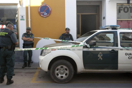 Detenido por la muerte a cuchilladas de sus dos hijos en Ubrique