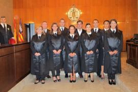 Diez nuevos graduados sociales juran su cargo