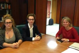 Riera se compromete con los estudiantes a crear una Mesa para negociar el TIL y la LOMCE