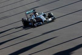 Hamilton logra su séptima 'pole' del año y Alonso saldrá séptimo en Sochi