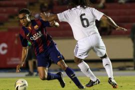 Leyendas del Real Madrid y el Barça dieron un espectáculo en Panamá