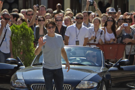 "TOM CRUISE PROMOCIONA LA PELÍCULA ""KNIGHT AND DAY"" EN SEVILLA"