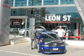 Celebrando la victoria del Puig Major con Blau Motors