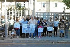 Los vecinos recogen 500 firmas para abrir el apeadero del tren de Crist Rei